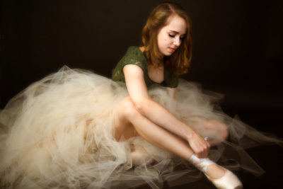 Portrait of a teenage ballerina by Burbank dance photographer, Leona Darnell